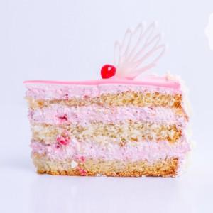 """Легкий йогуртовый торт """"Клубника в йогурте"""""""