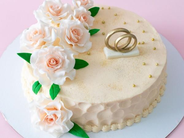 Кому доверить изготовление свадебного торта?